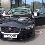 Jaguar czarny auto do ślubu